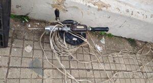 Ladrão é detido após furtar fios de fábrica de correntes