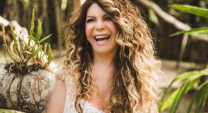 "Elba Ramalho canta ""Carnaval do Brasil"" no Sesc São Carlos"