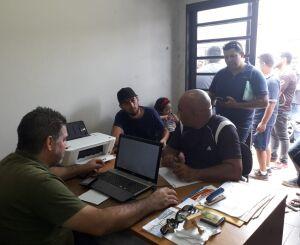 Motoristas de aplicativos vencem queda de braço e terão autorização para transportar pessoas durante a Tusca