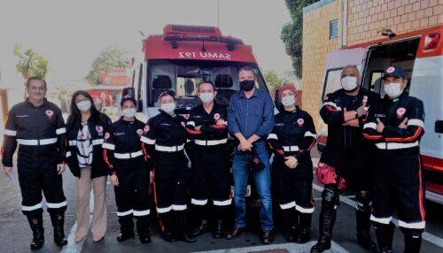 Equipes do Samu recebem novos uniformes