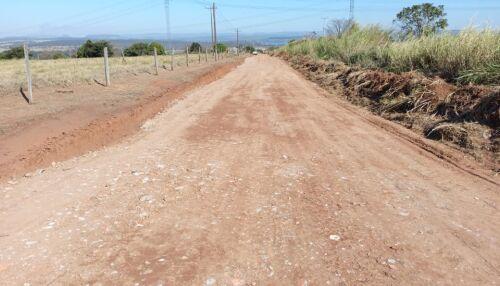 Agricultura realiza serviços de manutenção em Servidão Pública da Fazenda Saltinho
