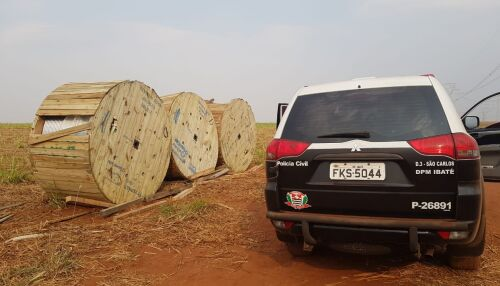 Bobinas com cabos de alumínio roubadas são localizadas na área rural de Ibaté