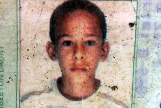 Adolescente que foi espancado será enterrado na manhã desta quinta-feira