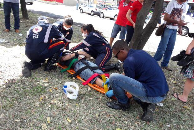 Motociclistas colidem na Vila Prado; um ferido