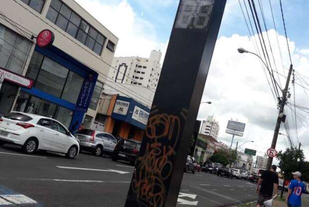 DIG identifica suspeitos de picharem semáforos em São Carlos