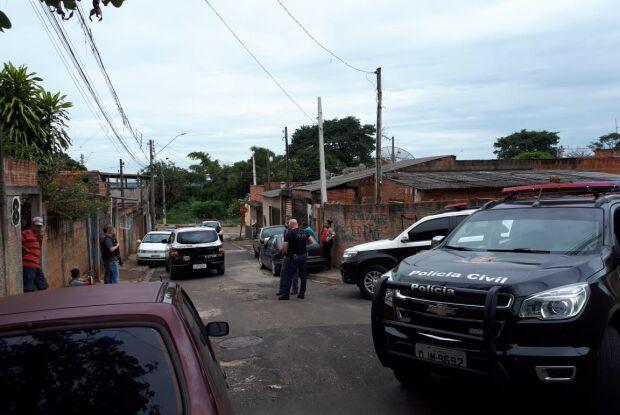 Durante operação policial, casal é detido com joias furtadas