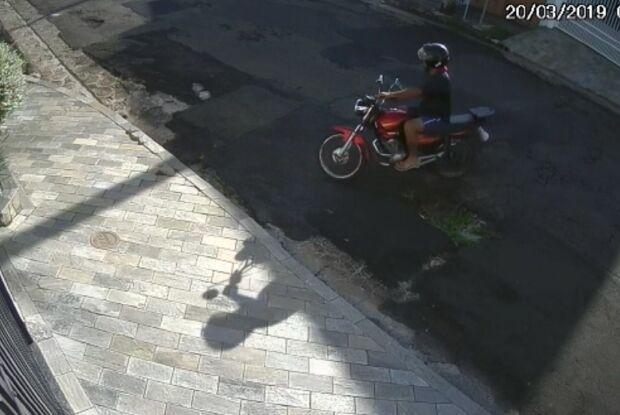 Secretária é atacada por motoqueiro armado no Jardim Ricetti