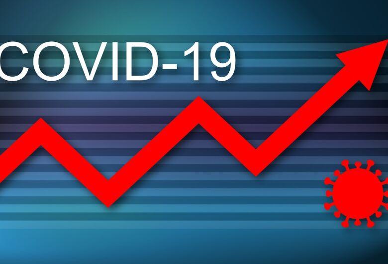 Fiocruz alerta que incidência de covid-19 mantém patamar elevado