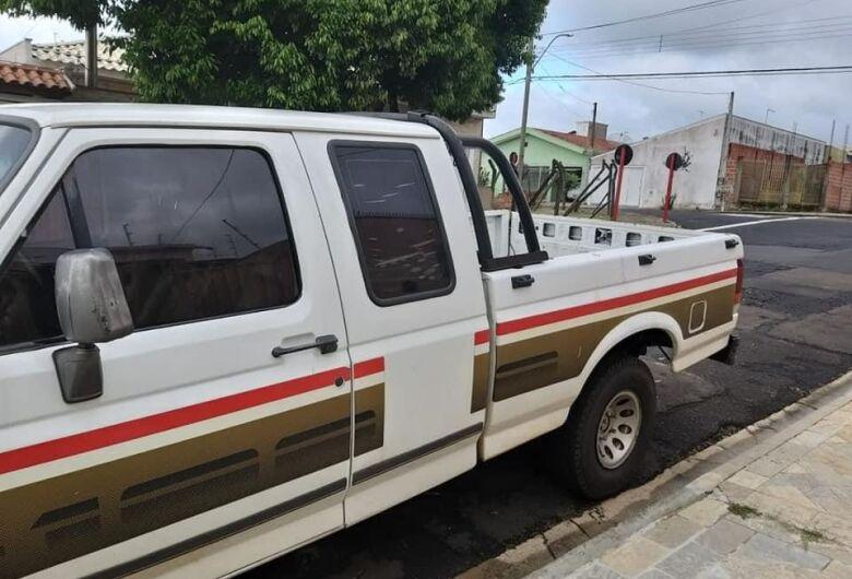 Proprietário pede ajuda para localizar caminhonete furtada no Itamaraty