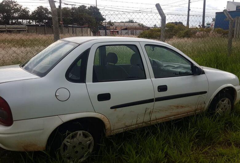 Carro furtado em Brotas é localizado na Vila Alpes