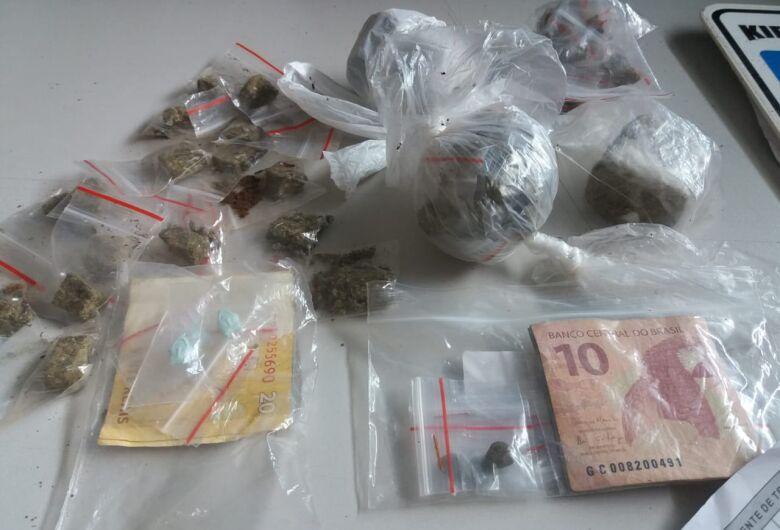 GM encontra maconha, cocaína, ecstasy e haxixe em terreno no São Carlos 3
