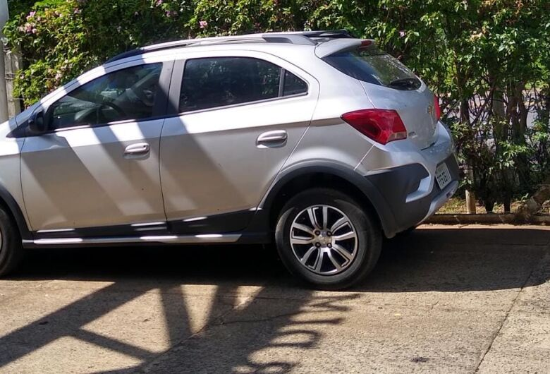 Carro roubado é recuperado pela GM
