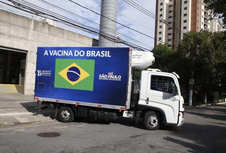 Governo de São Paulo inicia vacinação contra o coronavírus no interior
