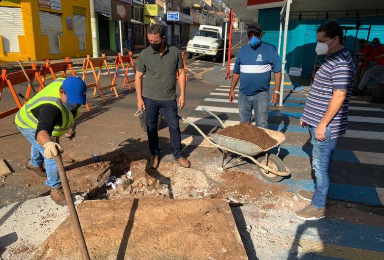 Prefeitura realiza limpeza em galerias de águas pluviais