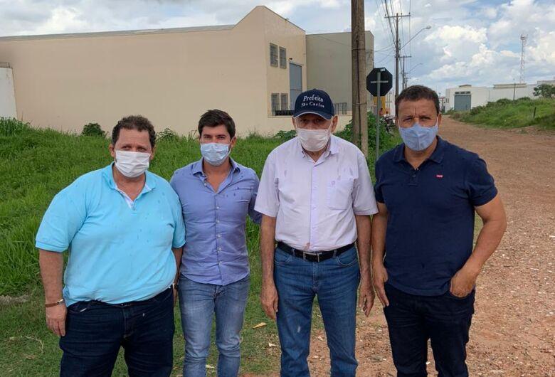 Airton Garcia solicita verba ao deputado Júnior Bozzella para pavimentação do Parque São José