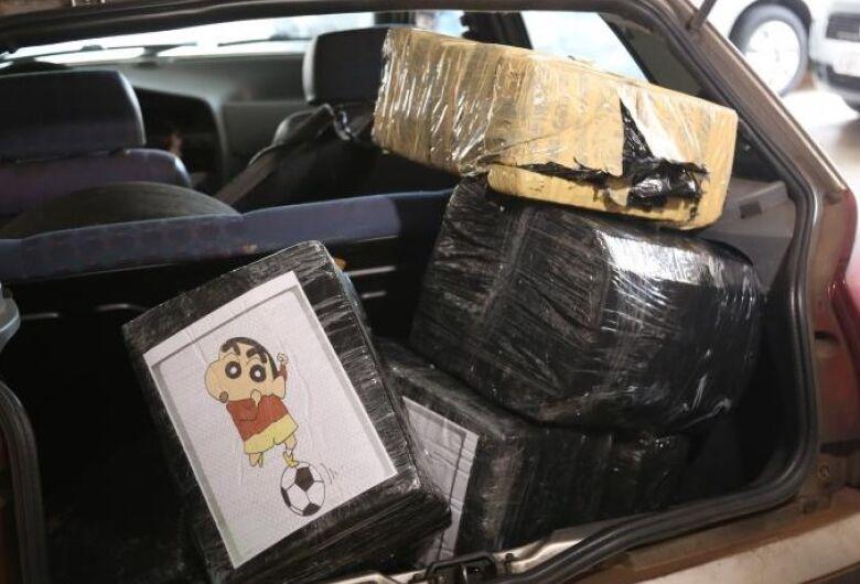 Polícia encontra grande quantidade de drogas em carro roubado na Vila Nery