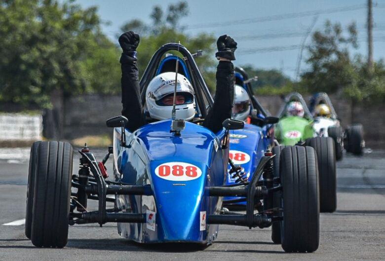 Piloto de São Carlos é campeão da Copa ECPA F/Promo Racing de Fórmula Vee