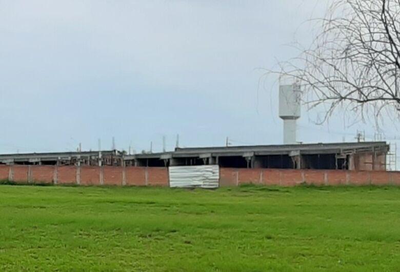 Construção de nova creche no Antonio Moreira em Ibaté está acelerada