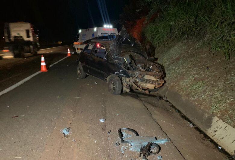 Motorista morre em acidente na SP-255