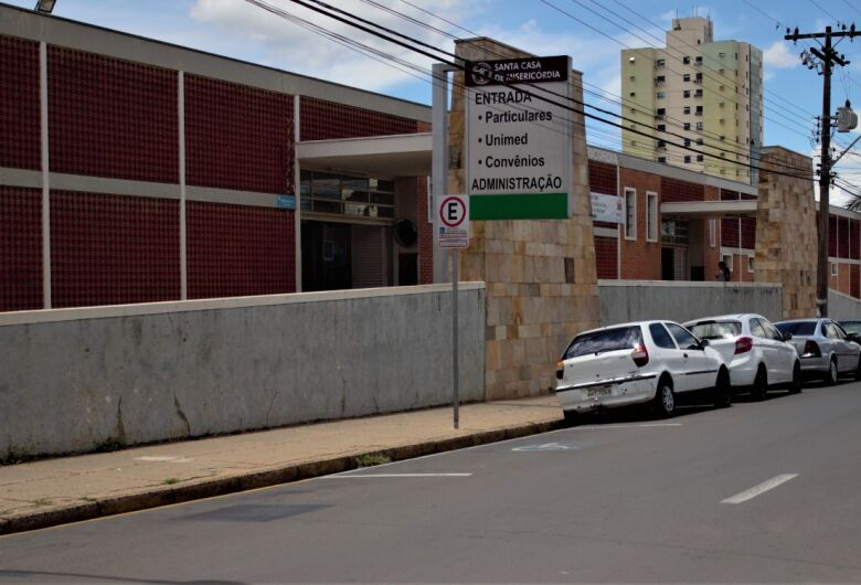 Santa Casa de São Carlos contrata técnico em enfermagem