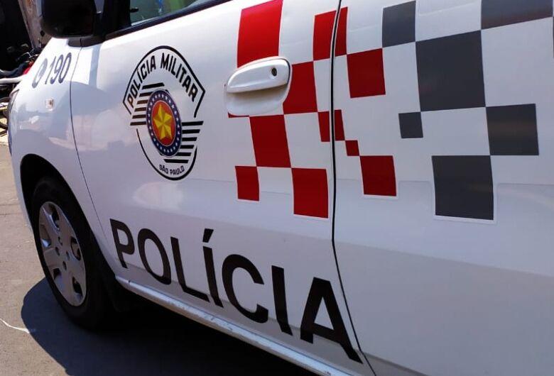 Homem é preso após descumprir medida protetiva e ameaçar ex-mulher com arma de fogo