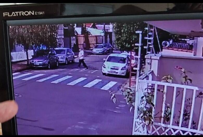 Homem tem carro furtado e pede ajuda para localizá-lo