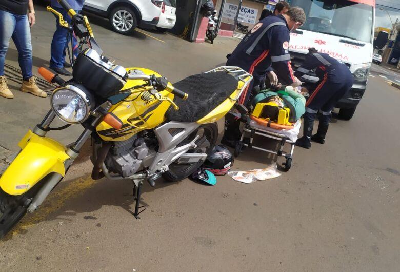 Colisão traseira manda motociclista para a Santa Casa