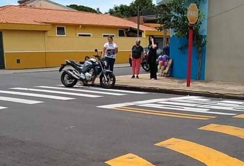 Motos colidem no Jardim Beatriz e garota fica ferida