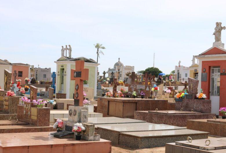 Cemitérios municipais ficarão fechados para visitação aos finais de semana