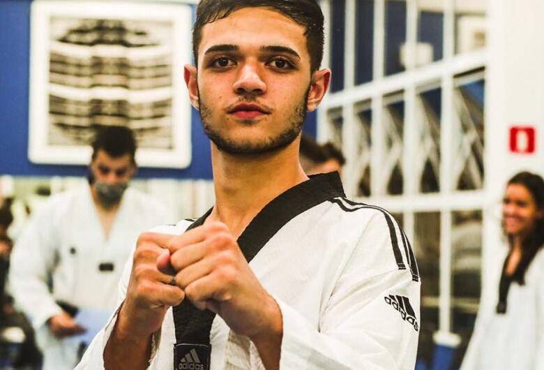 Atleta são-carlense se prepara para intercâmbio e Sul-Americano de Taekwondo