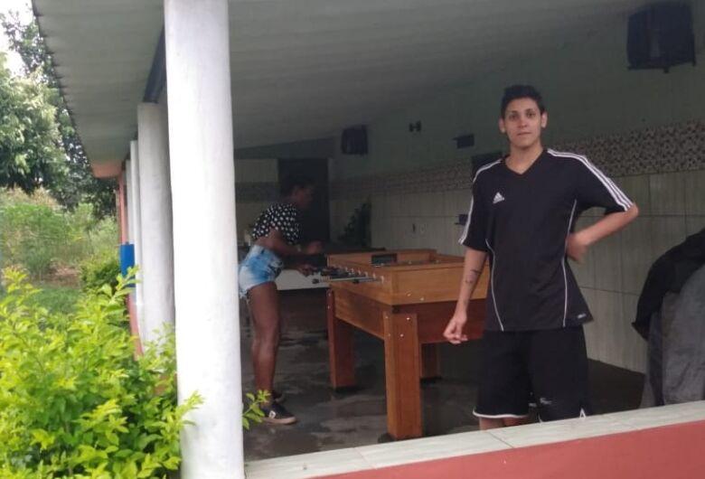 Mãe pede ajuda para encontrar jovem que desapareceu em São Carlos