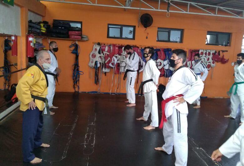 Mestre internacional de Taekwondo visita São Carlos