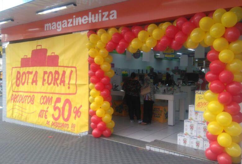 Magazine Luiza faz queima de estoque de Smart TV's com desconto de até R$1.499,00
