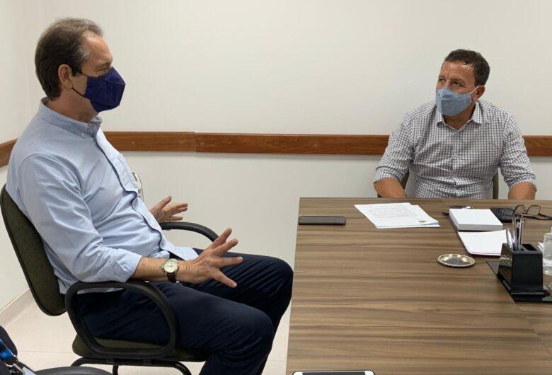 Edson Ferraz e João Muller recebem visita do secretário executivo de esportes do Estado