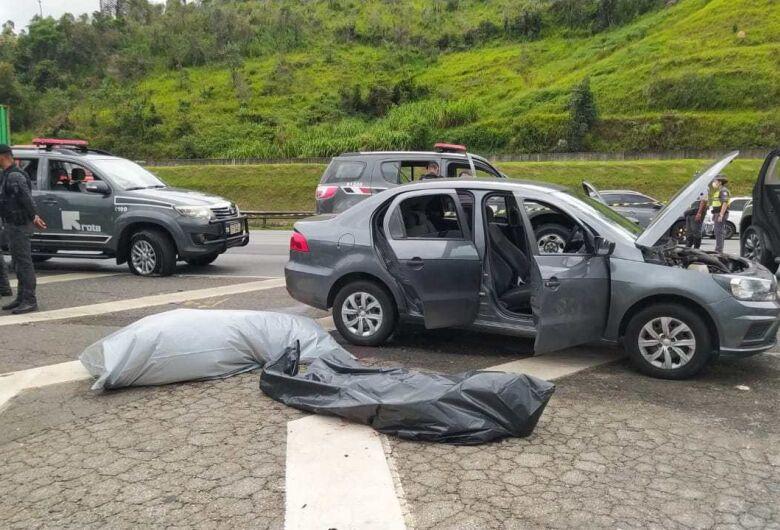 Após roubo a banco, cinco bandidos são mortos em confronto com a ROTA na rodovia dos Bandeirantes