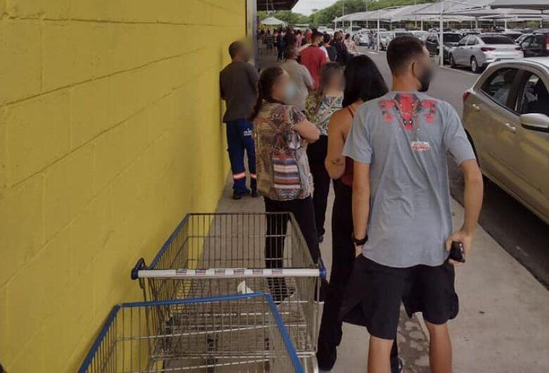 Supermercados e atacadistas de São Carlos registram filas após divulgação de fake news