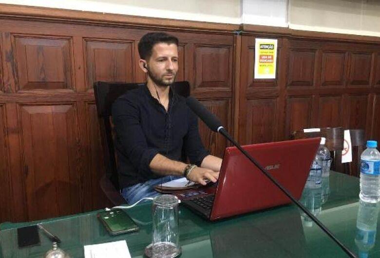 Vereador Elton sugere modernização do site da Prefeitura e criação de aplicativo