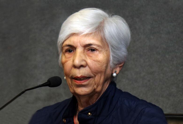 Professora da USP São Carlos conquista prêmio da Sociedade Brasileira de Física