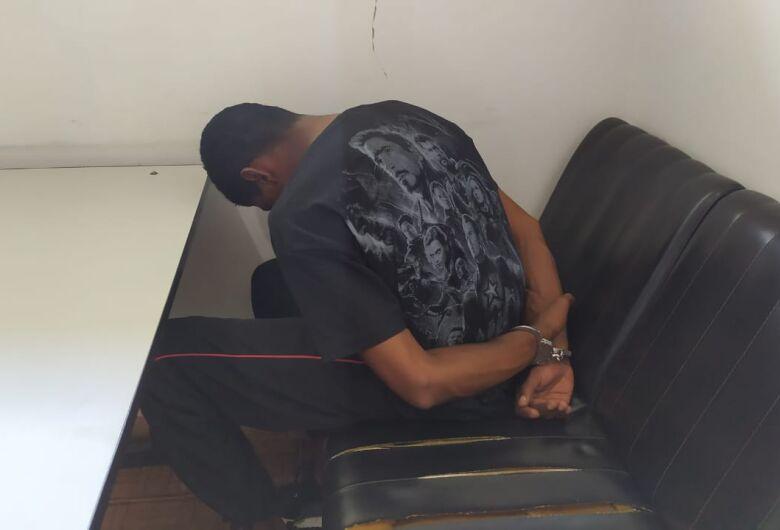 Suspeito tenta a fuga, mas é detido pela PM na Vila Jacobucci