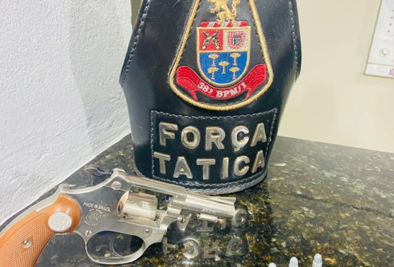 Após perseguição, Força Tática prende homem por porte ilegal de arma