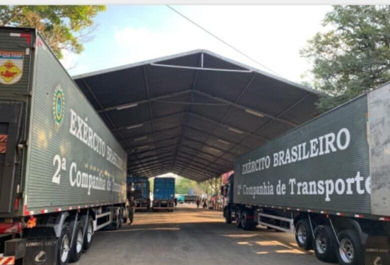 Araraquarenses fazem fila para receber 200 toneladas de alimentos doados pelo Ceagesp