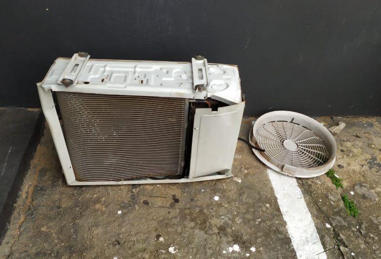 Dupla é detida após furtar equipamento de ar-condicionado do CEME