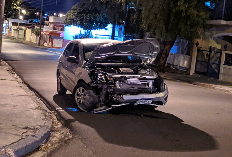 Motociclista sofre várias fraturas após acidente na Redenção