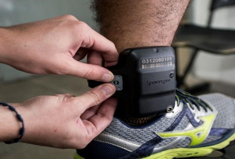 Agressores de mulheres poderão ter que usar tornozeleira eletrônica no estado de SP