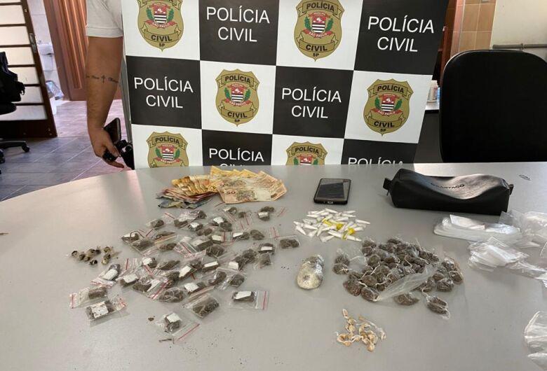 Jovem é preso por tráfico na Vila Costa do Sol