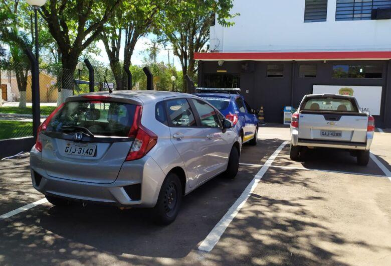 Veículos roubados são abandonados no São Carlos 3