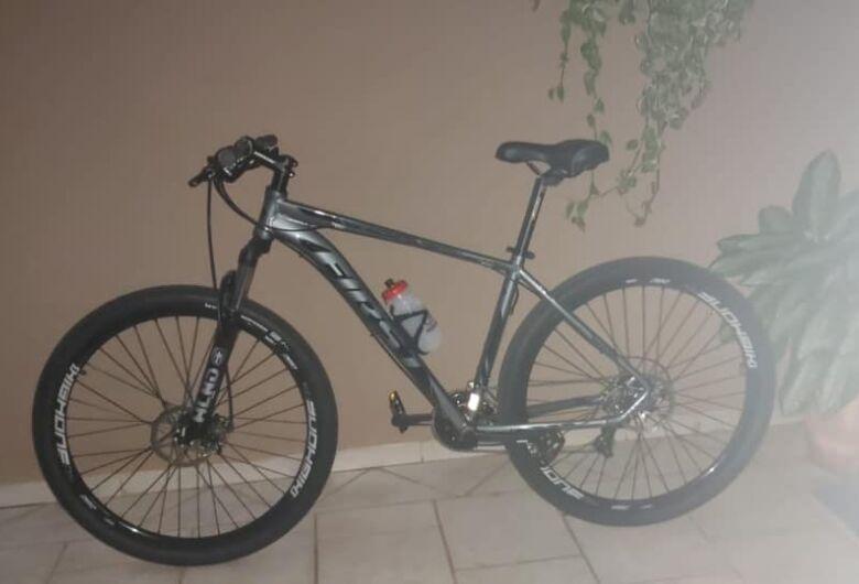 Bike é furtada na região da Rodoviária e jovem pede ajuda para localizá-la