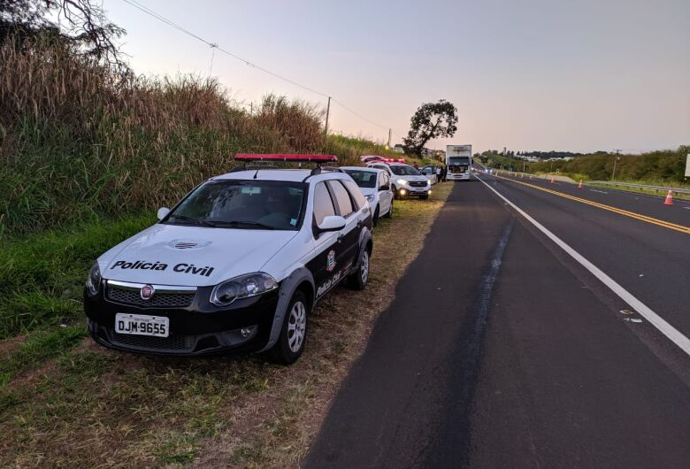Motorista que passou sobre corpo na SP-318 foi autuado por embriaguez ao volante
