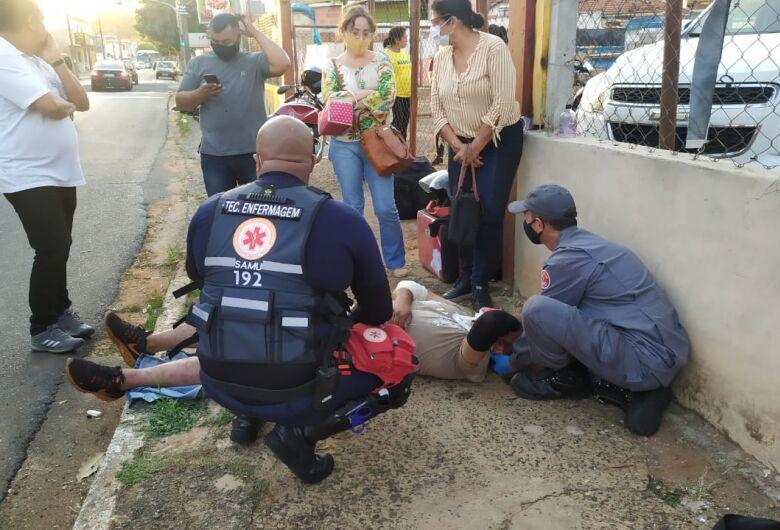Motoboy fica ferido em acidente no Centro