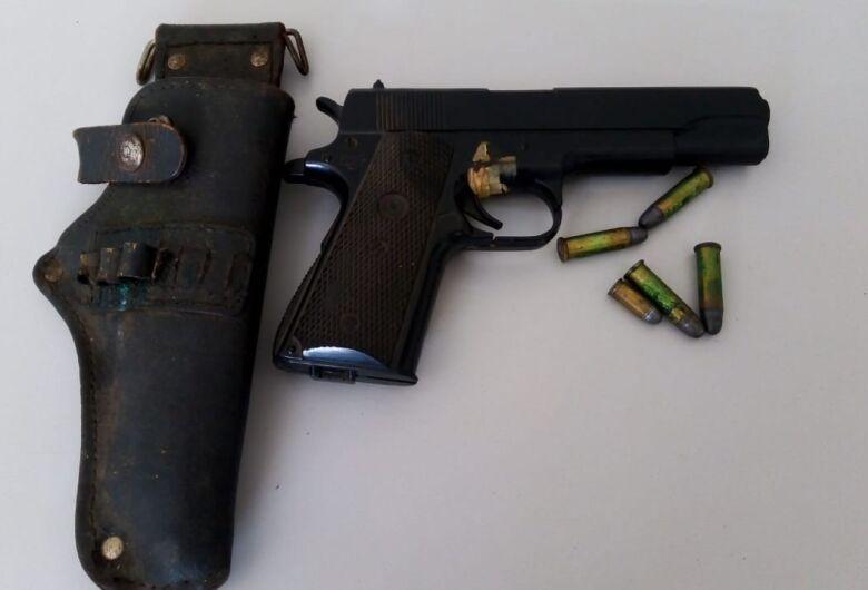 Polícia Civil realiza apreensão de armas e drogas em Ibaté